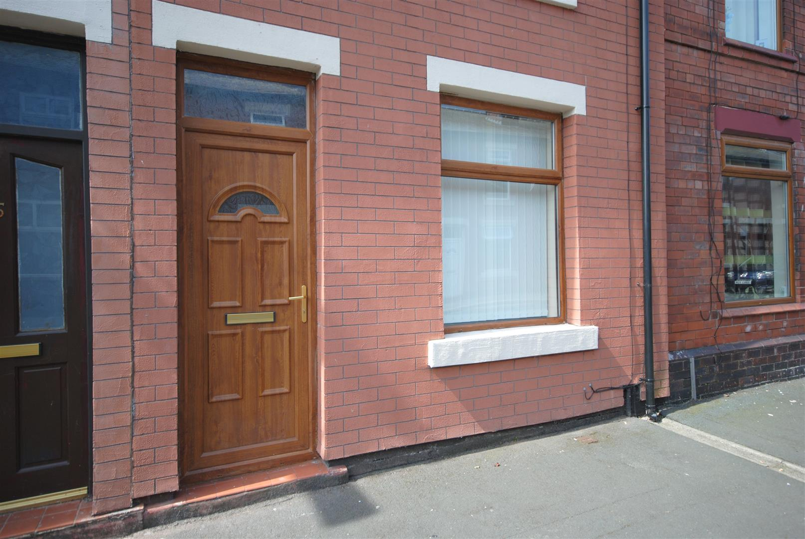 2 Bedrooms Property for sale in Bank Street, Platt Bridge, Wigan